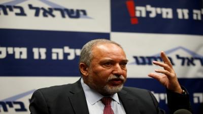 """وزير الدفاع الإسرائيلي """" ليبرمان """" : سنحول غزة إلى سنغافورة ولكن بشرط"""