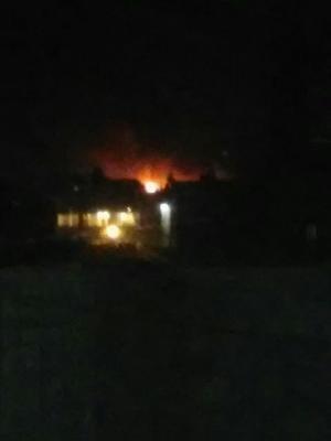 بالصور :  غارات جوية على  العاصمة صنعاء وإنفجارات متتالية وحرائق عقب تلك الغارات