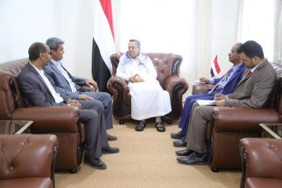 بن دغر يستقبل ممثلي نقابة أعضاء هيئة التدريس في جامعة صنعاء