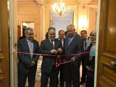 المخلافي يفتتح قاعة عدن الثقافية بالسفارة اليمنية في باريس