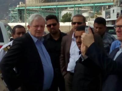 وكيل الأمين العام للأمم المتحدة يزور ميناء المعلا بعدن تمهيداً لإستقبال السفن التجارية والمساعدات الدولية