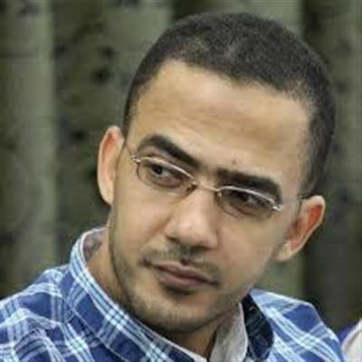 رئيس الوزراء يوجه بعلاج فؤاد الحميري خارج اليمن على نفقة الدولة