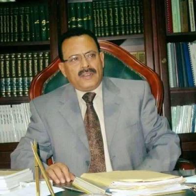 محافظ المحويت الدكتور صالح سميع يكشف عن آخر الإجراءات بشأن صرف مرتبات موظفي الدولة بالمحافظة( صوره)