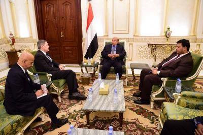 الرئيس هادي يستقبل السفير الأمريكي