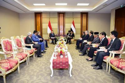 الرئيس هادي يلتقي نظيره الاندونيسي ونائب الرئيس الهندي ( صور)