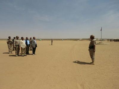 الفريق علي محسن الأحمر يطلع على مستوى الجاهزية القتالية للواء الثاني حماية رئاسية