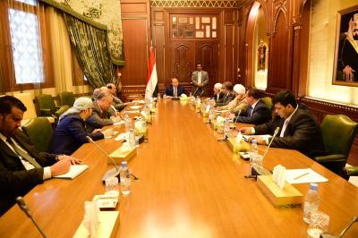 الرئيس هادي  يرأس اجتماع لهيئة مستشارية .. أهم الملفات التي تم مناقشتها ( صوره)