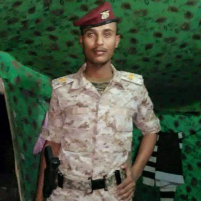 مقتل طيار يمني في معارك نهم شرق العاصمة صنعاء ( صوره)