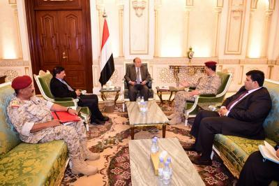 الرئيس هادي يلتقي اللواء المقدشي واللواء فضل حسن ويشدد على رفع الجاهزية القتالية