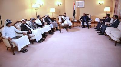 الفريق علي محسن الأحمر يلتقي محافظ صعدة وعدد من الوجهاء والمشائخ في مديرية باقم