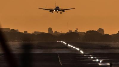 أسماء الدول والمطارات والرحلات المشمولة بحظر الأجهزة الإلكترونية بعد القرار الأمريكي والبريطاني