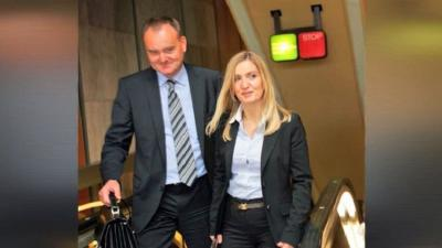 سفير تشيكي يفقد منصبه بسبب لسان زوجته