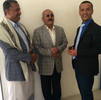 """صحفي وإعلامي مقرب من الرئيس السابق """" صالح """" يعترف بالهزائم التي لحقت بالحوثيين وقوات صالح ويشكو تنافر القيادات"""