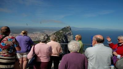 تصاعد الخلاف بين إسبانيا وبريطانيا حول جبل طارق