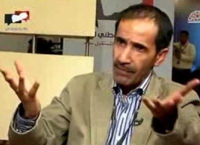 """القيادي المؤتمري وعضو اللجنة العامة الدكتور """" الشجاع """" يكشف ماذا يعني الطابور الخامس ويصف الحوثيين بالمتآمرين"""