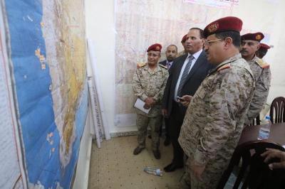 جباري والمقدشي يزورا هيئة إدارة الازمات ومركز القيادة والسيطرة بوزارة الدفاع( صوره)