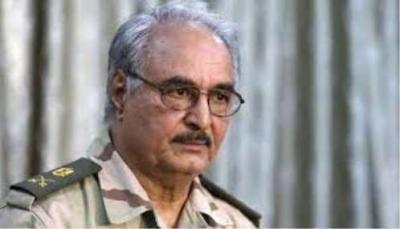 """"""" حفتر """" يمنع مواطني 6 دول من بينها اليمن من دخول ليبيا"""