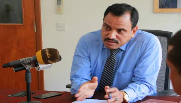 محافظ سقطرى يكشف حقيقة بيعها .. ويكشف عن الدور الإماراتي هناك