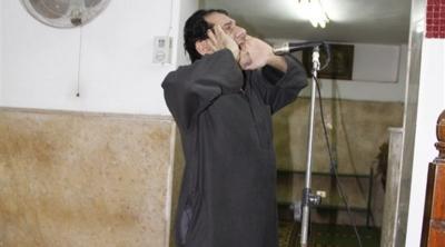 """وفاة الفنان المصري مظهر أبو النجا.. """"شاهد"""" صورتين لأيامه الأخيرة بالمسجد"""