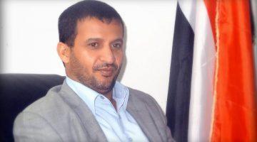 القيادي الحوثي حسين العزي يشن هجوماً على أنصار المؤتمر ويهدد بأن ثورتهم مستمرة ولا تزال يدها من حديد !