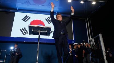 """المرشح اليساري """"مون جيه إن"""" يعلن فوزه برئاسة كوريا الجنوبية"""