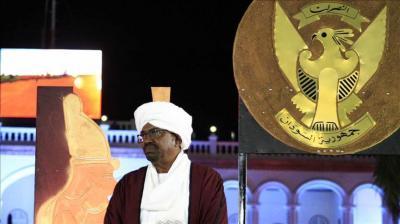 """بعد إعلان واشنطن رسميا """"معارضتها"""" مشاركته في قمة الرياض .. الرئيس السوداني """" البشير """" يعتذر عن الحضور"""