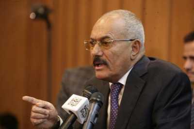 """صحفي مؤتمري يسأل الرئيس السابق """" صالح """" من هم الأبطال الذين قاتلوا الإنفصاليين ؟ ويطالبه بالعودة !"""