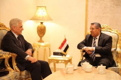 بن دغر يناقش مع السفير الروسي لدى اليمن  مستجدات الاوضاع