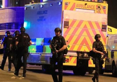 """عشرات القتلى والجرحى جراء تفجير """"مانشستر أرينا"""" في بريطانيا.. ولندن تؤكد أنه إرهابي"""