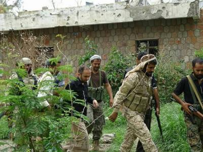 إستمرار المعارك شرق تعز والحوثيون يقصفون الأحياء السكنية في المدينة