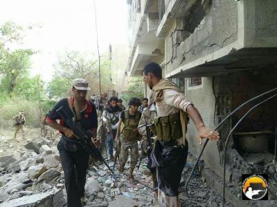 معارك عنيفة داخل القصر الجمهوري بتعز بعد تمكن قوات الجيش من إقتحامه ( صور)