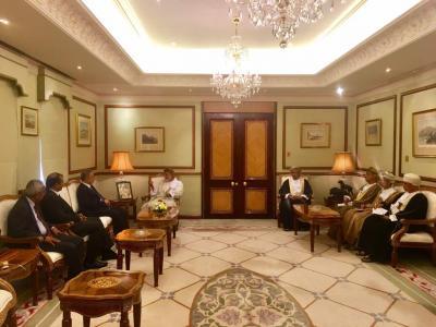 المخلافي يلتقي الوزير المسؤول عن الشئون الخارجية بسلطنة عمان ويناقش سبل تسهيل عبور اليمنيين عن طريق السلطنة