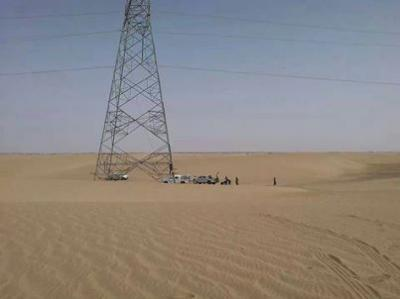 الأجهزة الأمنية تلقي القبض على المدعو جبران الشعبي والمتهم بالإعتداء على أبراج الكهرباء بمنطقة نهم