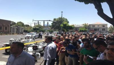 """قتلى وجرحى في تفجيران وإطلاق نار في البرلمان الإيراني ومرقد الخميني و""""داعش"""" يتبنى"""