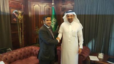 وزير النفط يناقش مع نظيره السعودي امكانية تزويد اليمن بالمشتقات النفطية
