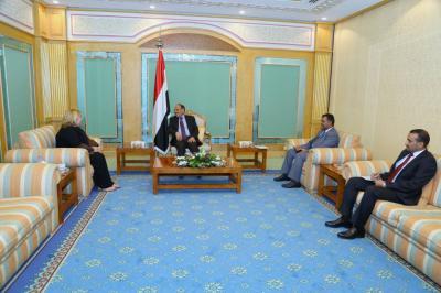 الفريق علي محسن الأحمر يلتقي رئيسة بعثة الاتحاد الأوروبي لدى اليمن