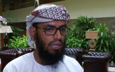 هاني بن بريك يهدد بإستخدام السلاح ضد الحكومة الشرعية