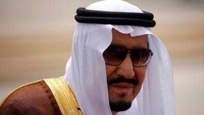 السعودية تكشف حقيقة أنباء زيارة الملك سلمان إلى تبوك لرفع علم المملكة فوق تيران وصنافير