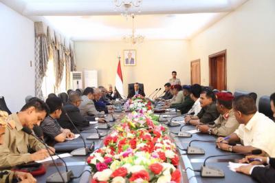 بن دغر يرأس اجتماع موسع للقيادات العسكرية والأمنية بمحافظات إقليم عدن