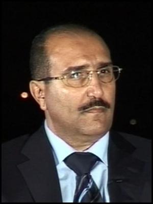 """وزير الثقافة الأسبق """" الرويشان """" يكشف موقفه من الأنباء التي تناولت عودة نجل الرئيس السابق صالح من الإمارات"""