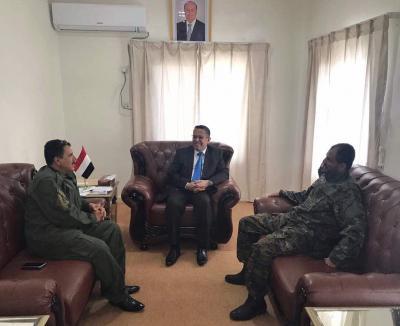 """بن دغر يناقش الأوضاع الأمنية  مع مدير عام شرطة عدن """" شلال شائع"""""""