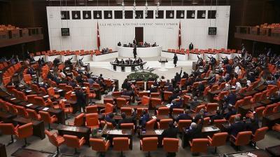 البرلمان التركي يقر تمديد حالة الطوارئ 3 أشهر إضافية