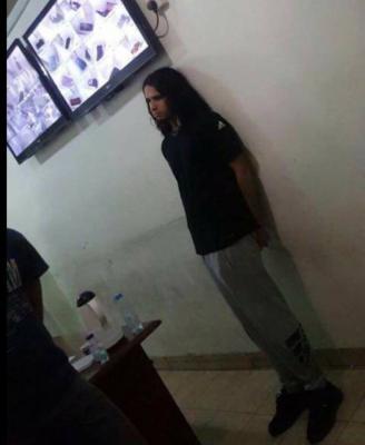 بعد صدور أمر ملكي بإلقاء القبض عليه .. شرطة الرياض تلقي القبض على أمير سعودي ( صور)