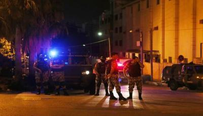 """اتصالات أردنية إسرائيلية رفيعة المستوى لحل """"أزمة"""" السفارة في عمّان"""