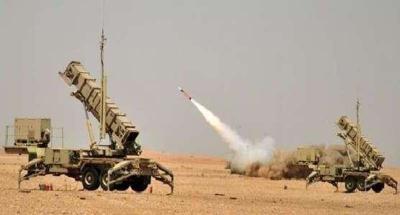 الحوثيون يطلقون صاروخ باليستي بإتجاه الطائف .. والإعلام السعودي يؤكد