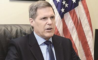 السفير الامريكي لدى اليمن يقول بأن حزب صالح أبدى موافقة ضمنية لخطة ولد الشيخ بشأن الانسحاب من الحديدة