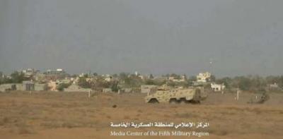 بالصور .. الجيش  يسيطر على مواقع في ميدي ويقطع طريق إمداد الحوثيين