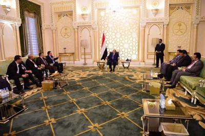 الرئيس هادي يلتقي اللجنة الوطنية للتحقيق في ادعاءات حقوق الانسان وتسلمه تقريرها الثالث
