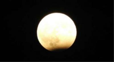 اليمن تشهد خسوفاً للقمر