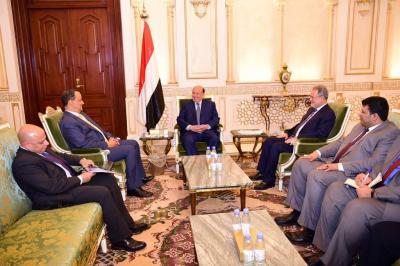 """الرئيس هادي يستقبل المبعوث الأممي الى اليمن """" ولد الشيخ"""